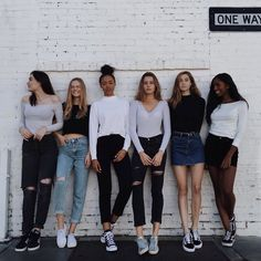 Ideas fitness photoshoot poses website for 2019 Mode Outfits, Fashion Outfits, Womens Fashion, Fashion Tips, Best Friend Goals, Bff Goals, Squad Goals, Friend Photos, Mode Vintage