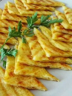 3 Malzemeli Patates Tostu - Nefis Yemek Tarifleri - Yemek Tarifleri - Resimli ve Videolu Yemek Tarifleri Turkish Recipes, Asian Recipes, Healthy Recipes, Ethnic Recipes, Delicious Recipes, Food N, Food And Drink, Brunch, Taco Pizza