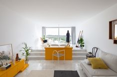 Harmony Interior Design Minimalist Living Room, While minimalist design has its benefits, the method isn't for everybody or every enterprise. Design is similar to yin and yang. Interior Simple, Yellow Interior, Condo Interior, Atelier Photo, Tiny Apartments, Living Spaces, Living Room, Contemporary Apartment, Minimalist Living