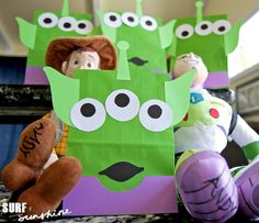 In planning for my Buzz Lightyear Themed Bedroom unveil party, I came across some really fun Disney Toy Story themed party ideas. One of my favorites were these adorable Cumple Toy Story, Festa Toy Story, Toy Story Party, Toy Story Birthday, 3rd Birthday, Birthday Ideas, Disney Diy, Disney Crafts, Disney Ideas