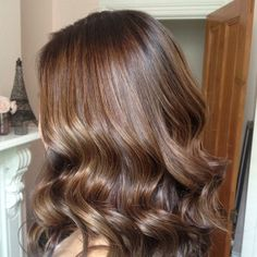 Red to chocolate brown with golden brown highlights