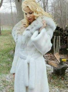 Lynx and Mink Fur Coat Fashion, Fur Accessories, Fur Clothing, Fabulous Furs, Fox Fur Coat, White Fur, Mink Fur, Fur Collars, Fur Jacket