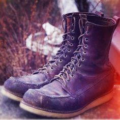 I love my Red Wings. Red Wing Heritage Boots, Red Wing Boots, Red Wing Moc Toe, Fashion Boots, Mens Fashion, Vintage Soul, Vintage Boots, Cool Boots, Wedge Boots