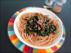 Petite entorse IG et calories ce midi pour cette recette d''automne réconfortante de spaghettis semi-complets à l''épeautre coiffés d'une poêlée d''épinards frais et de marrons, a…