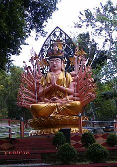 Monument Dewi Kwan Im Tangan Seribu