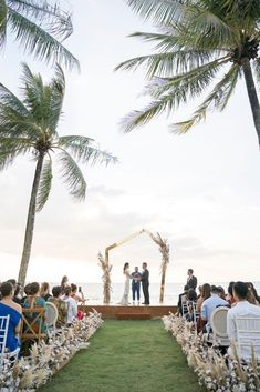 Elegant Architectural Thailand Beach Wedding – The Wedding Bliss – darinimages 31 Paired with fluffy pampas grass, this alternative twist to florals softens the edgy, architectural scene that will defy Boho beach weddings. #bridalmusings #bmloves #thaiwedding #florals #beachwedding Wedding After Party, Wedding Show, Wedding Ceremony, Wedding Table, Wedding Ideas, Boho Beach Wedding, California Wedding Venues, Cascade Bouquet, Civil Ceremony