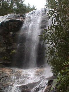 Waterfalls+Near+Franklin+North+Carolina | franklin paved walkway underneath 75 foot falls walk behind the falls ...