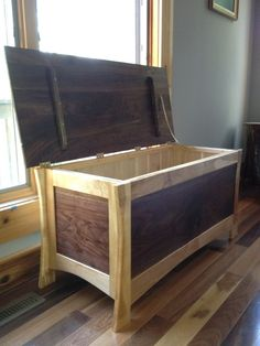 New wood toys diy woodworking hope chest Ideas Diy Wood Projects, Furniture Projects, Furniture Plans, Wood Furniture, Woodworking Furniture, Woodworking Projects, Woodworking Toys, Wooden Toy Boxes, Trunks And Chests