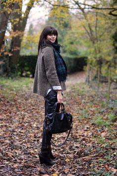 EJSTYLE - Осень Осень уличный стиль Ootd, зеленый тартан одеяло шарф, хаки Topshop джемпер, джинсовые рубашки, Склад Нога кожаные штаны, черные ботинки клина