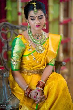 Indian Bridal Sarees, Indian Bridal Outfits, Indian Bridal Fashion, Half Saree Lehenga, Bridal Hairdo, Hindu Bride, Bridal Blouse Designs, Saree Models, Elegant Saree