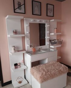 Home Decor For Small Spaces .Home Decor For Small Spaces Bedroom Closet Design, Home Room Design, Small Room Bedroom, Girl Bedroom Designs, Bedroom Ideas For Small Rooms, Teen Room Designs, Dressing Room Decor, Dressing Room Design, Bedroom Decor For Teen Girls