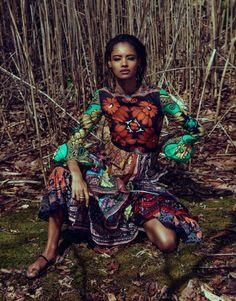 Malaika Firth aparece naturalmente bela nos cliques de Chris Coll para a The Edit Maio 2015 [Fashion]