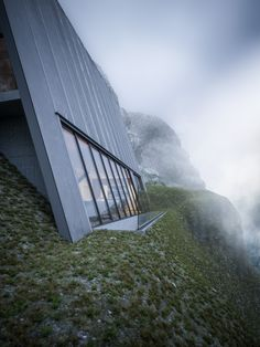 "Beautifully Minimal Triangular House That Sits At The Edge Of A Cliff is part of Triangle house - German architect Matthias Arndt has created a wonderful concept named the ""Triangle Cliff House"" that rests on the edge of a cliff It's a product if an Architecture Triangle, Architecture Design, Cabinet D Architecture, A Frame Cabin, A Frame House, Cabin Design, House Design, Triangle House, Cliff House"