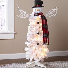 Small Christmas Trees, Miniature Christmas Trees, Christmas Room, Christmas Snowman, Simple Christmas, Christmas Crafts, Snowman Tree, Christmas Stuff, Snowmen