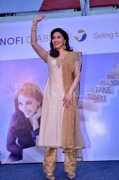 Madhuri Dixit at Sanofi's diabetes awareness event Madhuri Dixit Hot, Create A Signature, Diabetes Awareness, Best Dance, Prom Dresses, Formal Dresses, Indian Wear, Indian Beauty, Campaign