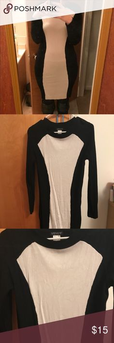 Venus White and Black Sweater Dress Size Medium Beautiful dress from Venus! Every girl needs a sweater dress! It's a fitted dress but also very flattering! Worn once! 🖤🖤🖤  When you buy 3 or more items you will receive a free surprise! 🖤🖤🖤 VENUS Dresses Midi
