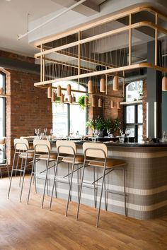 Warm and cozy modern restaurant interior. Eyes on the bar face lights and curves! FOLLIW ME for more restaurant inspo! Image repost via . Design Café, Bar Interior Design, Restaurant Interior Design, Design Studio, Design Ideas, Coffee Cafe Interior, Japan Design, Interior Modern, Kitchen Interior