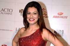 Actress Payal Rohatgi, who entered the Bigg Boss, house yesterday (November 27, 2013) to meet his boyfriend and Bigg Boss 7 contestant Sangram Singh, seems to be very upset with Bigg Boss inmate Gauahar Khan.