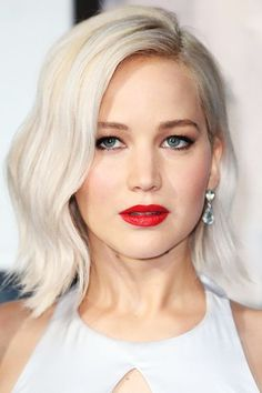 Cho created this look on Jennifer Lawrence in May. Your best bet is to break out your flat iron and craft a retro wave using this hairstylist-favorite technique. The secret? Don't muss it up at the end. #refinery29 http://www.refinery29.com/2016/07/115561/s-wave-hairstyle-trend#slide-3