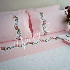 Smile...it's friday #pink#bedcover  Gülümseyin...bu gün cuma#pembe #piketakimi