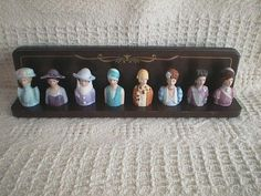 VINTAGE AVON LADIES THIMBLE SET & DISPLAY my sister-in-law Kathy bought this for me.