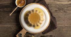 Χαλβάς με ταχίνι από τον Άκη Πετρετζίκη. Φτιάξτε τον παραδοσιακό τύπου Μακεδονικό χαλβά με ταχίνι και γεύση βανίλια, και σερβίρετε με μέλι! Nutrition Chart, Nutrition Information, Halva Recipe, Processed Sugar, Good Fats, Raw Food Recipes, Vegan Vegetarian, Sweet Treats, Easy Meals