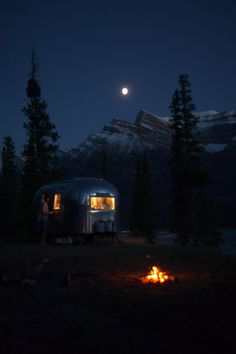 RV And Camping. Ideas To Help You Plan A Camping Adventure To Remember. Camping can be amazing. You can learn a lot about yourself when you camp, and it allows you to appreciate nature more. There are cheerful camp fires and hi Camping Glamping, Camping Spots, Camping Life, Outdoor Camping, Camping Gear, Airstream Camping, Camping Jokes, Airstream Trailers, Camping Checklist