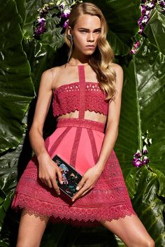 See the complete Zuhair Murad Resort 2017 collection.