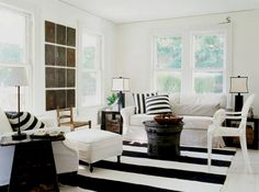 Cool 35+ Black and White Home Beautiful Decoration https://freshouz.com/35-black-and-white-home-beautiful-decoration/