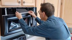 Cleaning all the filters in a home keep it running smoothly. Don't forget the one in the built-in microwave. Follow this cleaning tip to keep kitchens safe and air venting properly. House Cleaning Tips, Cleaning Hacks, Built In Microwave, Samsung, Air Vent, Clean House, Filters, Kitchens, Forget