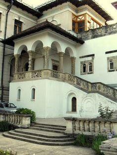 Atelierul de arhitectură Liliana Chiaburu: Palatul Cotroceni - curtea interioară