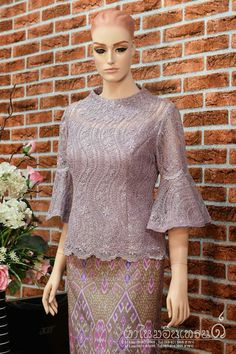 ผ้าไทยอื่นเทรนด์ Kebaya Lace, Kebaya Dress, Dress Brokat, Kebaya Brokat, Simple Dresses, Elegant Dresses, Batik Dress, Lace Dress, Dress For Body Shape