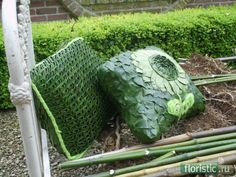 Pillows - Types of transformation leaves and use them - Page 33 - Veterinary: popular floral forum Leaf Design, Floral Design, Flax Weaving, Farm Projects, Flower Festival, Leaf Flowers, Green Nature, Arte Floral, Leaf Art