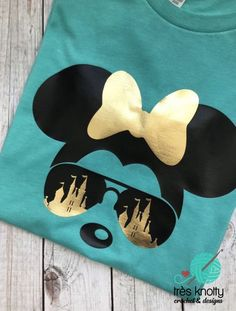 Family Vacation Shirts, Disney Vacation Shirts, Disney Tees, Disney Diy, Disney Vacations, Disney Mickey, Minnie Mouse Shirts, Mickey Shirt, Disney Silhouette Art