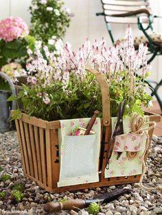 Organizing gardening tools