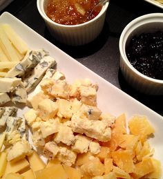 Wine and cheese / SERY POLSKIE