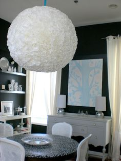 Can you believe this wonderful lampshade is made from coffee filters? Respect!!