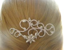 wedding comb with pearls and Swarovski.