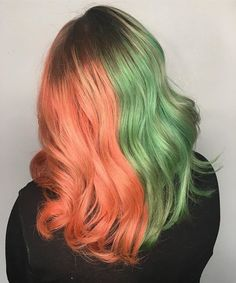 Semi Permanent Hair Dye - Unicorn Hair - Lime Crime - Have you ever had split hair? Elissa Wolfe used Neon Peach and Salad on her awesome client. Types Of Hair Color, Hair Color Brands, Bold Hair Color, Hair Dye Colors, Peach Hair, Lilac Hair, Light Purple Hair, Split Dyed Hair, Semi Permanente