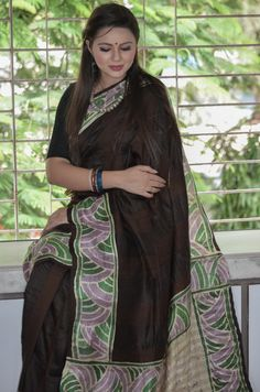 Buy this beautiful saree for ₹7900 here: