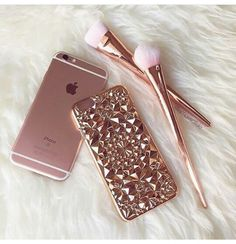 Beautiful and unique our Rose Gold Tropix Case will be sure to turn heads! Design made out of flexible TPU fitting over your iPhone like a glove. This is NOT a flat case Flexible and bendable while providing protection for your iPhone Iphone 6 Cases, Cute Phone Cases, Rose Gold Aesthetic, Telephone Iphone, Tout Rose, Gold Everything, Accessoires Iphone, Coque Iphone 6, Pink Iphone