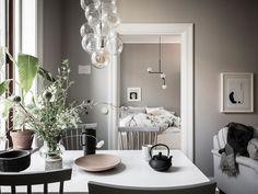 Home Tour into a Soft Greige Scandinavian Apartment Scandinavian Apartment, Scandinavian Interior, Home Interior Design, Interior Styling, Warm Colour Palette, H&m Home, Home Living, Living Room, Dream Decor