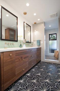 Master bathroom Love the wood vanity and the clean lines of the sinks. Fun floor tile Source by brandylgrice Mid Century Modern Bathroom, Modern Bathroom Design, Bathroom Interior Design, Decor Interior Design, Bathroom Designs, Bath Design, Modern Bathrooms, Modern Interior, Mid Century Bathroom Vanity