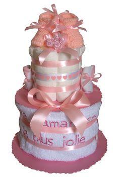"""Gâteau de couches """"Ma maman est la Plus Jolie"""" en pampers. Cadeau naissance Fille Cadeau Baby Shower, Wall Clocks, Baby Showers, Cake, Kid Friendly Art, Mom, Chiming Wall Clocks, Baby Shower, Kuchen"""