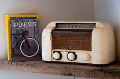 Vintage 1946 RCA VICTOR radio modèle 66X1 par AmalgamBoutique Kitchen Appliances, Nice, Vintage, Diy Kitchen Appliances, Home Appliances, Nice France