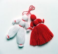 Easy martenitsa - for Baba Marta Day Yarn Crafts, Diy And Crafts, Crafts For Kids, Hand Embroidery, Embroidery Designs, Baba Marta, Yarn Dolls, Christmas Crafts, Christmas Ornaments