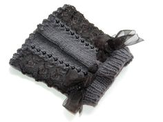 Fingerless gloves with lace and cryastals gray by Aesthetica91