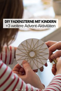 DIY Fadensterne basteln – Art And Craft Creative Crafts, Diy And Crafts, Social Trends, Textiles, Making 10, Christmas Crafts, Stars, Crochet, How To Make