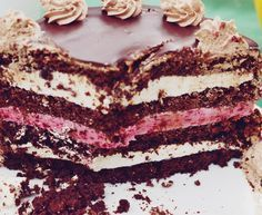 Sweets Recipes, Cake Recipes, Rasberry Cake, Delicious Deserts, Romanian Food, Classic Cake, Homemade Cakes, Chocolate Desserts, Sweet Treats