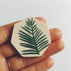 Palm Leaf Brosche von lucie0ellen auf Etsy